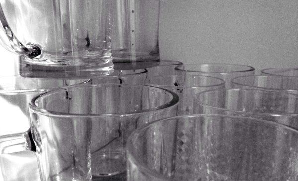 Alle Tassen und Gläser im Schrank?